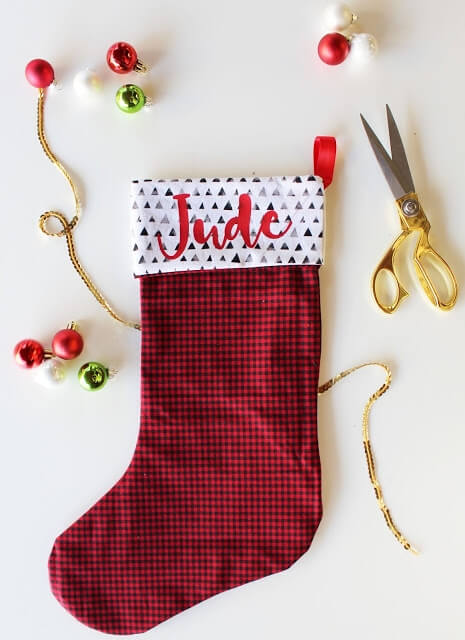 DIY Christmas stocking with Cricut - red plaid