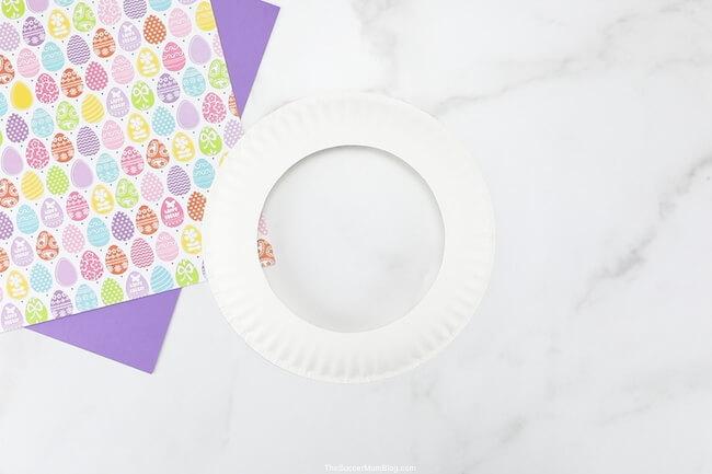 paper plate cut into wreath shape