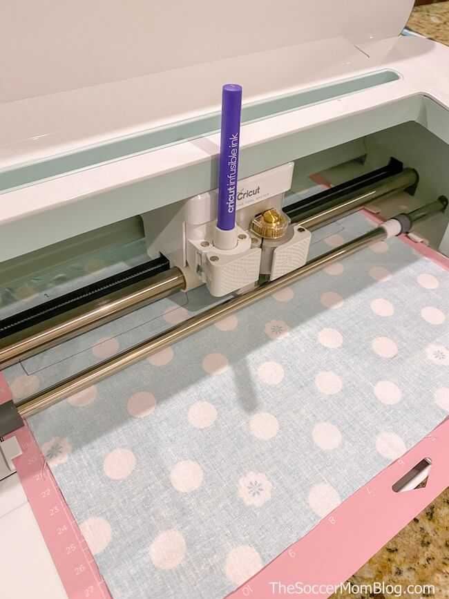 Cricut Maker cutting face mask pattern
