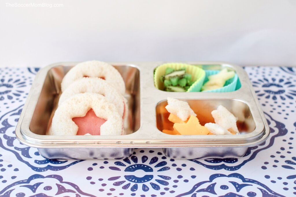 These adorable Ham Stars Sandwiches are a fun lunchbox treat!