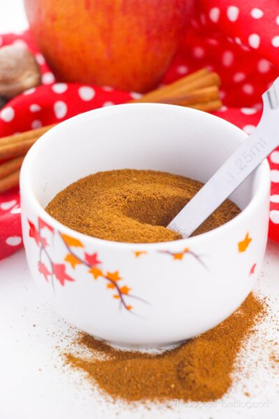 Homemade Apple Pie Spice in a cup