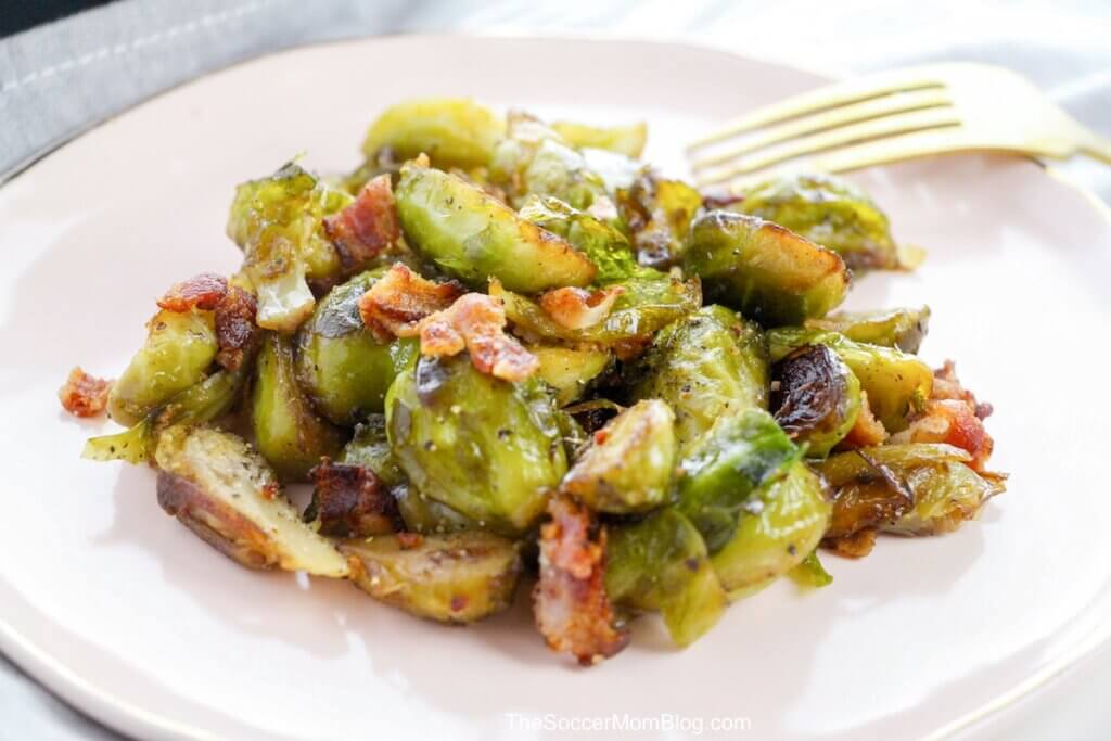 maple roasted brussel sprouts with bacon