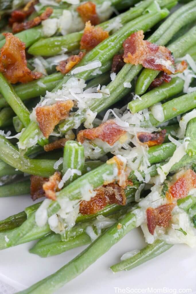 baked parmesan green beans topped with bacon