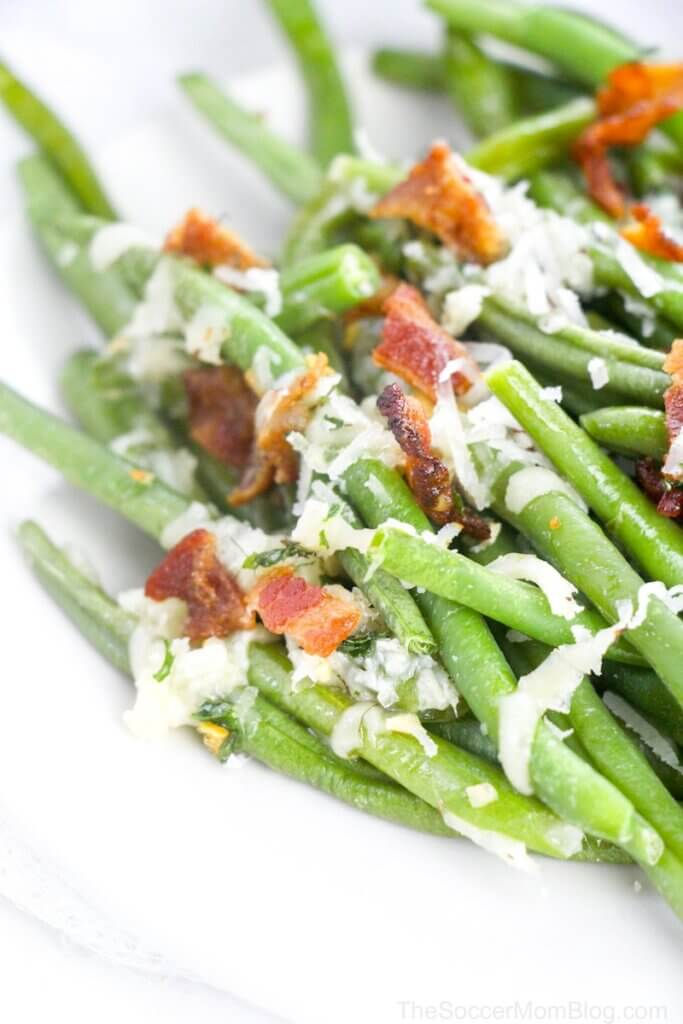 crispy roasted green beans with parmesan and bacon