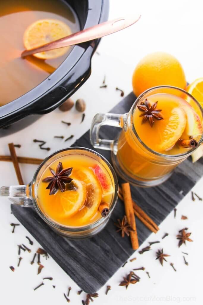 crockpot mulled apple cider with fruit and spices
