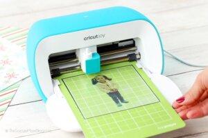 loading mat with printable sticker paper into Cricut Joy