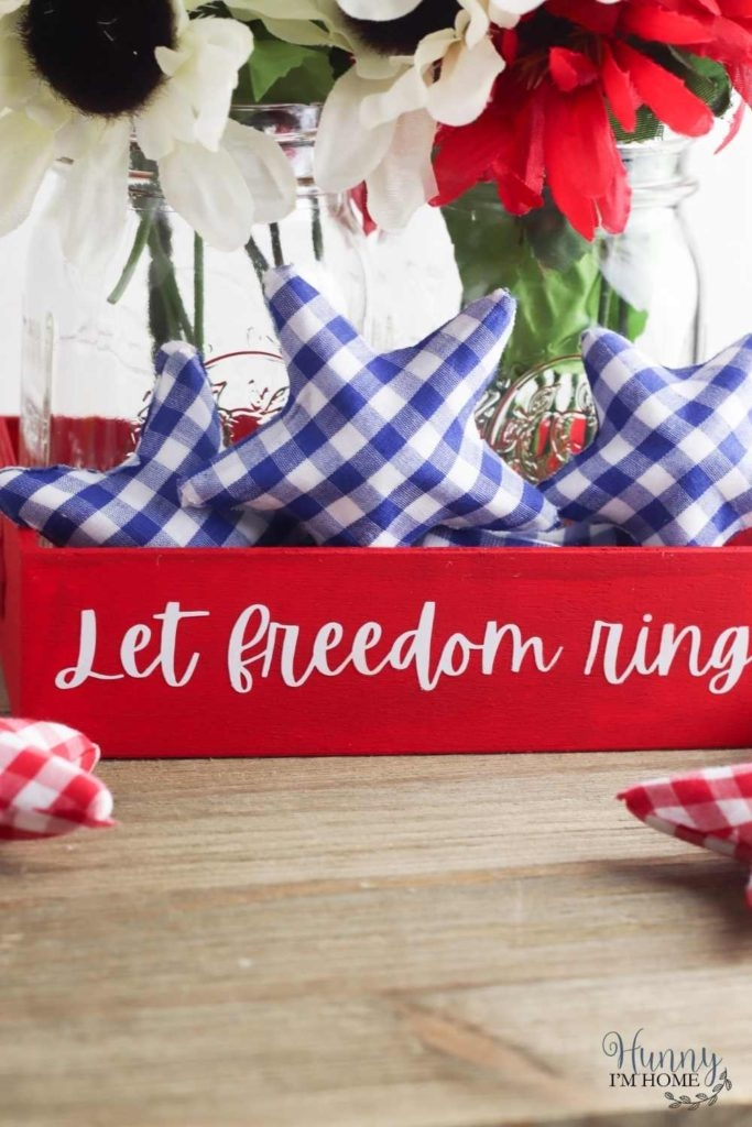farmhouse 4th of July centerpiece