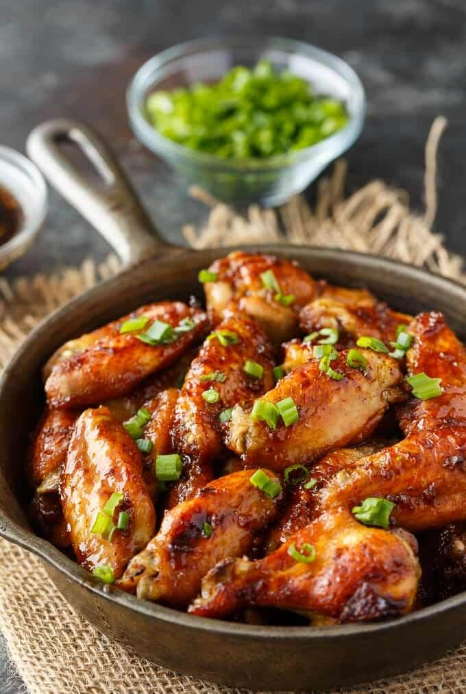 oven baked chicken wings with green onions