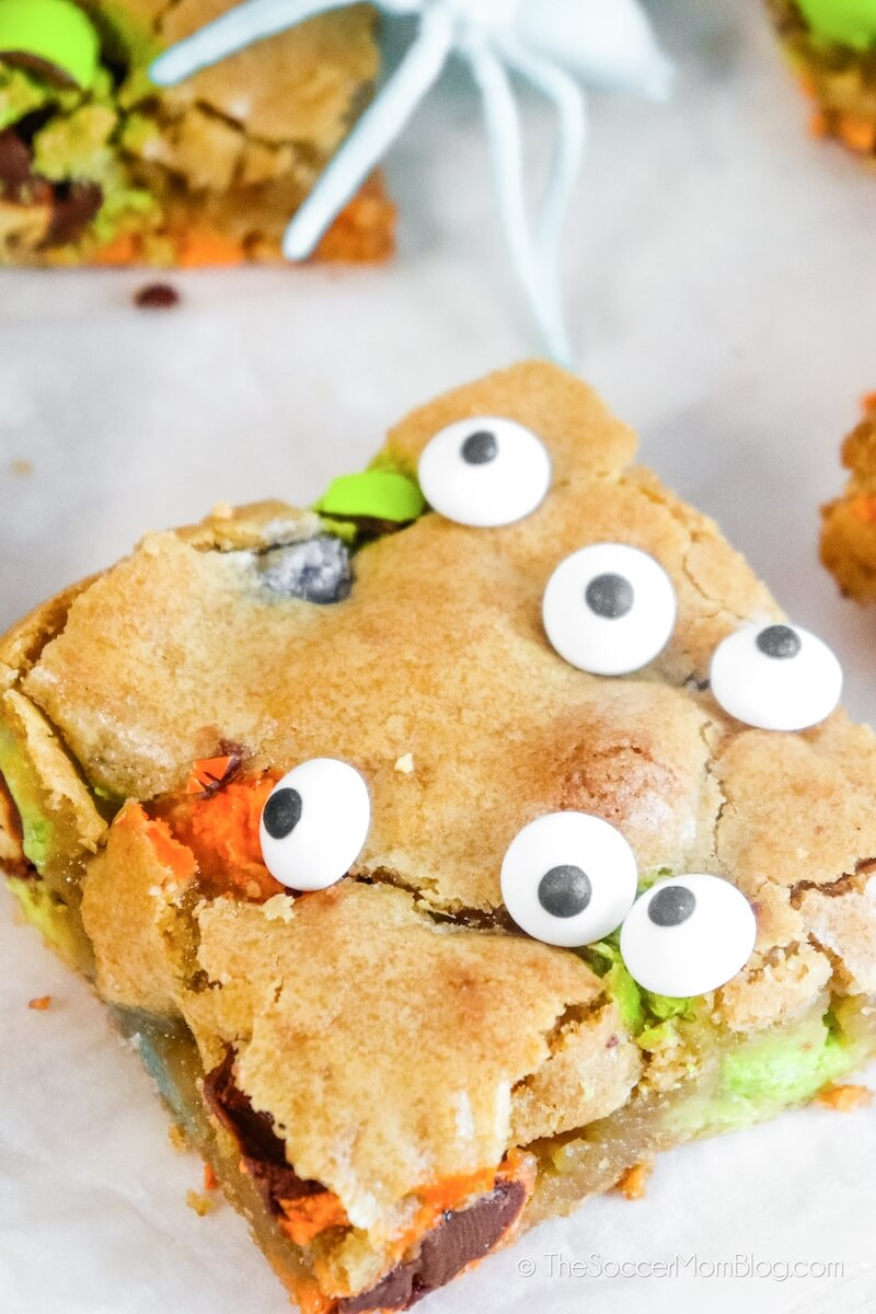 Halloween cookie bar with candy eyes