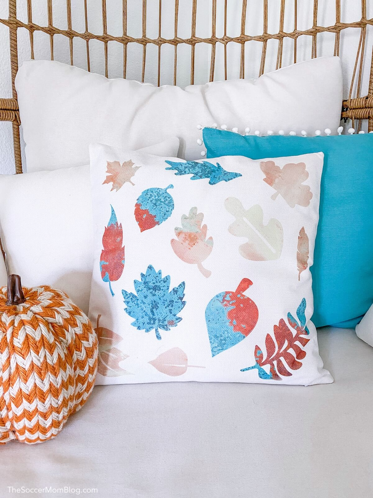 decorative fall pillow with leaves